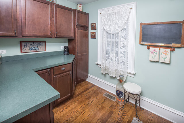 4932 Highland Ave Downers Grove IL real estate agent 7