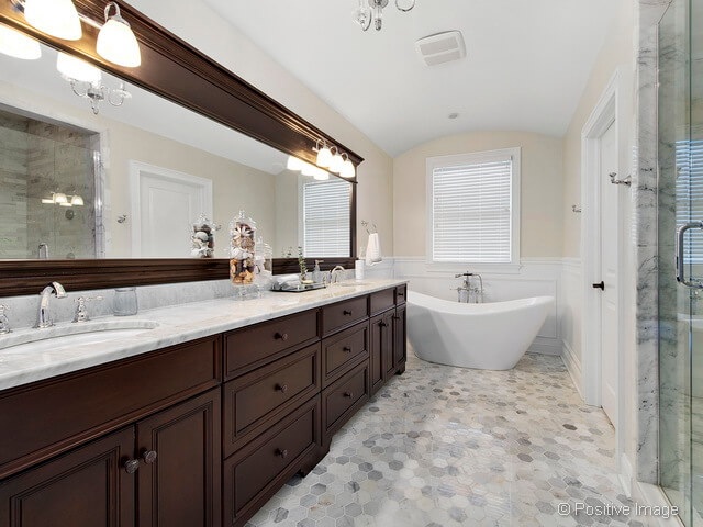 4633 Seeley Ave Downers Grove IL Realtor 9