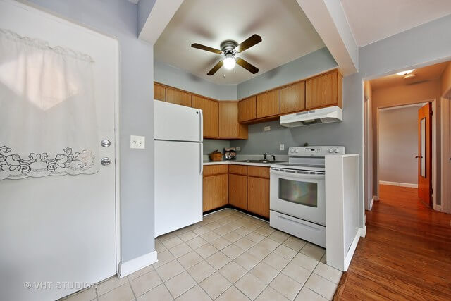 16 N Garfield Lombard real estate agent 4